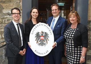 Konsul Markus Wolfsteiner, Chargé d'Affaires Katharina Kastner,  Honorarkonsul Christoph Crepaz und Fiona Hyslop MSP