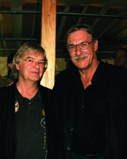 Zwei von sechs Mosehammers: Rupert Loidl (Bassist) und Joe Horn (Sänger).