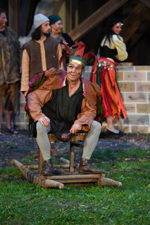 Alexander Schwarz begeistert am Schlossberg in Rattenberg als Quasimodo.
