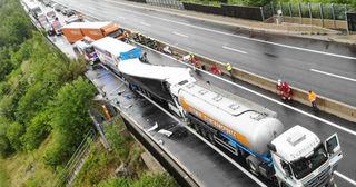 Tödlicher Auffahrunfall auf der A9 bei Inzersdorf
