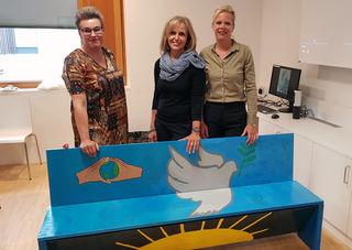 Die Initiatorin Andrea Bhatti, die Künstlerin Astrid Schroffner-Steiner und die Leiterin der Kinder- und Jugendpsychiatrie Kathrin Sevecke