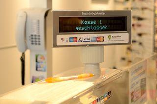 In sechs Jahren wurden eine Kassiererin 16.800 Euro zu wenig bezahlt.