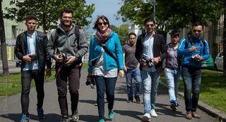 Unter der Leitung von Andrea Zehetner lernten Flüchtlinge die Theorie und Praxis der Fotografie.