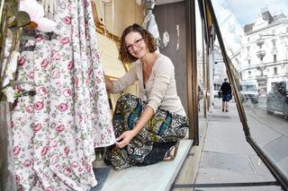 Brautmodedesignerin Julia Lara König hat zusammen mit Momo Kreutz das Projekt gestartet.