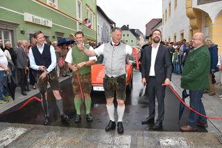 Verkehrsfreigabe, v. li.: LAbg. Pfeifenberger, Vizebgm. Prodinger, Bgm. Gappmayer, LR Schnöll und LAbg. Lassacher.