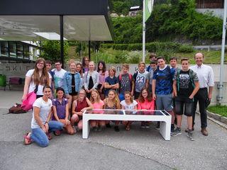 Als besondere Auszeichnung wurde den Schülern eine Steora-Solarbank übergeben