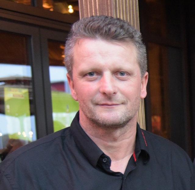 Ging in die Offensive und bittet um ein Nachsehen: Andreas Schutti, Chef vom Rox Music & Grill in der Plus City.