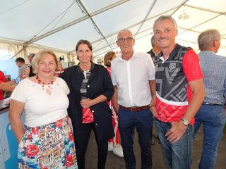 Unionspräsidentin Karin Ofner, NRin Petra Wagner, Schiedsrichterobmann Günter Benkö und Vereinsobmann Peter Hallemann