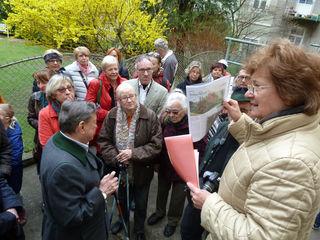 Im Rahmen eines Tages der offenen Tür bietet die Grätzelinitiative Margaretenbad auch eine Vorgarten-Führung an.
