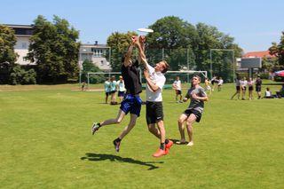 Die Schüler hatten beim 11. Steirischen Ultimate Frisbee Schulcup auf dem Gelände der HIB Liebenau großen Spaß.