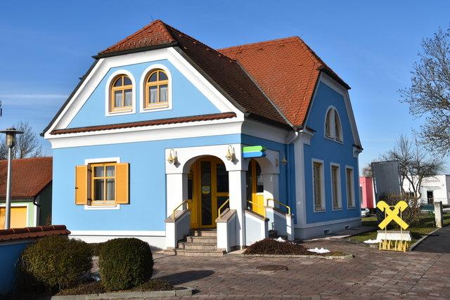 In die ehemalige Raika-Filiale zieht die Olbendorfer Firma EOM Solutions ein.