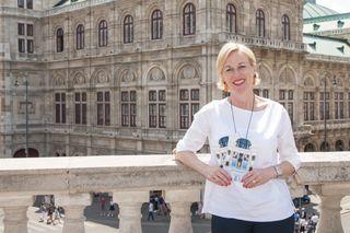 """Fremdenführerin Elisabeth Wolf bietet mit Themen wie dem """"Roten Wien"""" Stadttouren der besonderen Art an."""
