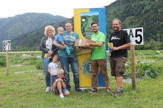 Bei der Übergabe mit dabei: Eva Gfrerer, Nevio, Zoey, Fabio und Marcus Repetschnig sowie Patrick Kleinfercher und Christoph Raunig