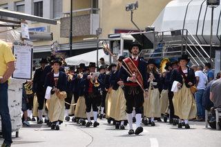 Zur Eröffnung und dem Bieranstich marschierte die Stadtmusikkapelle Wörgl ein.