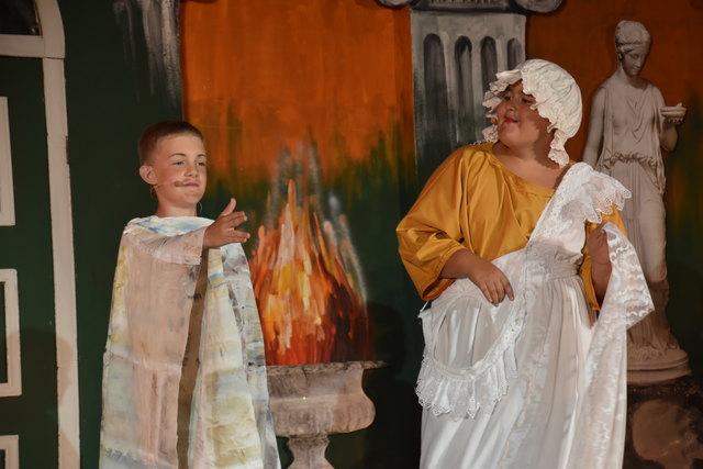 """Der """"Kleine Sommernachtstraum""""der Burgspiele will Jugendlichen und Kindern klassische Literatur näherbringen."""