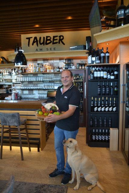 Rene Tauber schaut drauf, dass seine gekauften Waren aus der Region sind.