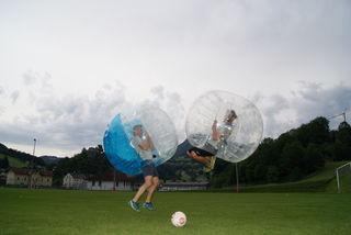 Beim Bubble Soccer  ist Spaß absolut garantiert.