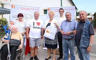 LR Verena Dunst berät Konsumenten, aber auch Produzenten am Krämermarkt in Oggau