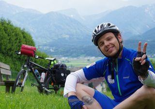 Der 23-jährige Philip Hampel durchradelte Österreich ohne einen Cent in der Tasche
