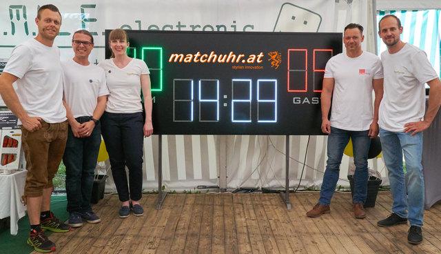Christian Marterer, Patrick Strasser, Alexandra Schussnig, Günter Stampfl und Josef Neubauer bieten gigitale Spielstandsanzeigen an, die per App gesteuert werden können.