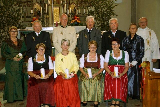 Seit 50 Jahren sind Ingrid und Isidor Lehner, Elfriede und Josef Bocek, Waltraud und Rudolf Kaltenböck und Brigitte und Friedrich Steinbichl verheiratet.