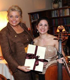 Mäzenin Monika Studer unterstützt mit den Meisterklassen in Gleinstätten junge Musiktalente.