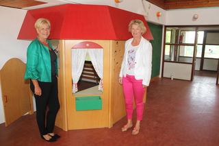 Bürgermeisterin Ursula Puchebner und die Leiterin des Referates für Gesellschaft und Soziales der Stadtgemeinde Amstetten, Margit Koch, bei einer Besichtigung.