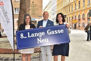 Bei der Eröffnung vor Ort: Vizebürgermeisterin Maria Vassilakou, MA-28-Geschäftsstellenleiter Thomas Keller und Bezirkschefin Veronika Mickel-Göttfert.