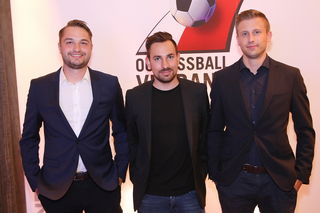 Schlierbachs Sektionsleiter Raphale Watzinger (mitte) mit seinen Stellvertretern Pascal Ebner (li.) und Sebastian Krammer