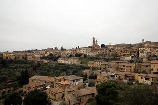 Montalcino in der Toskana: die idyllische Partnerstadt Purbachs ist aufgrund des Brunello eine der bekanntesten Rotweinprovinzen Italiens