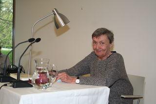 Christine Nöstlinger bei einer Lesung 2016 in der Gemeindebücherei Eichgraben.