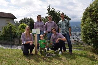64 Bäume wurden von den Ortsgruppen der Jungbauernschaft im Bezirk Ibk.-Stadt und Land gepflanzt.