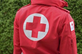 Der Lenker wurde im Krankenhaus St. Johann ambulant behandelt.