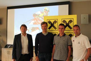 Raiba Direktor Josef Fast, Thomas Sykora, Initiator Herbert Bauer und Mario Haas (v.l.) bei der Auftaktveranstaltung der Sport- und Gesundheitsinitiative Bad Waltersdorf.