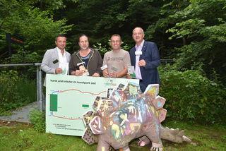 """Den neuen Kräuterwanderweg im """"Kunstpark Süd"""" stellten Richard Senninger, Paul Mühlbauer, Heinz Koller und Wolfgang Sodl (von links) vor."""