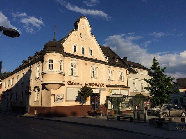 Seit 1907 waren Bäckerei und Cafe im schönen Bürgerhaus am Marktplatz fixer Bestandteil des Ortsbildes.