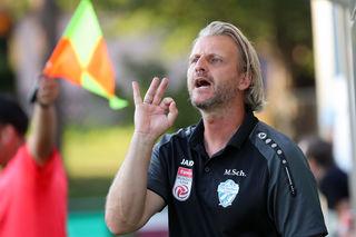 Lautstarke Anweisungen: Sturm-Legende Markus Schopp hat das Zepter beim Bundesliga-Aufsteiger TSV Hartberg übernommen.