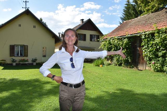 Wer kann das schon von sich behaupten? Lehrerin Elisabeth Bauer gehört ein ganzer Ortsteil: Eibelhofmühle in Poggersdorf