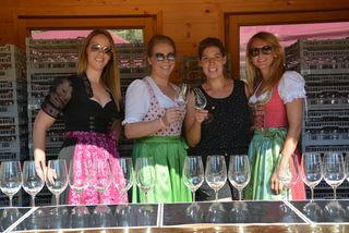 """Kufsteins Weinfest zeichnet sich auch durch die Glaswahl aus – """"Mehrweg mit Stil"""" ist hier das Zauberwort."""