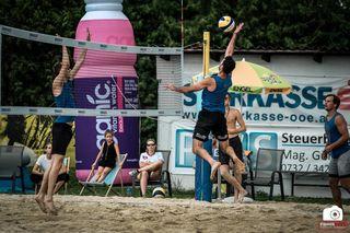 In der Bezirkshauptstadt kämpften versierte Volleyballer um den begehrten Sieg bei den Beachvolley Open.