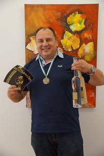 Günter Peer freut sich wiederholt über einen Medaillenregen für die Leitringer Edelbrennerei.