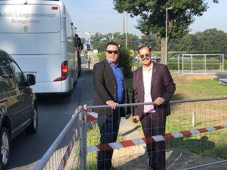 Erfreut: BV-Stellvertreter Christian Feldhofer und BV Helmuth Scheuch.