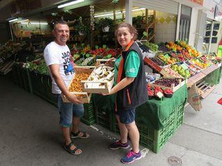 Daniel und Simona Ivanov sind seit über fünf Jahren als Obst- und Gemüsehändler am Markt.