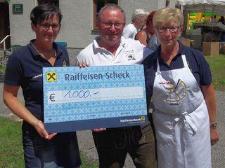 Pfarrgemeinderat Martina Dietach, Finanzreferent Kirche Alois Mayr, Obfrau der Goldhaubengruppe Anneliese Maurer.