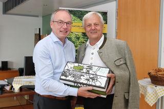 LH-Stellvertreter Dr. Stephan Pernkopf (l.) und Direktor Franz Fidler.
