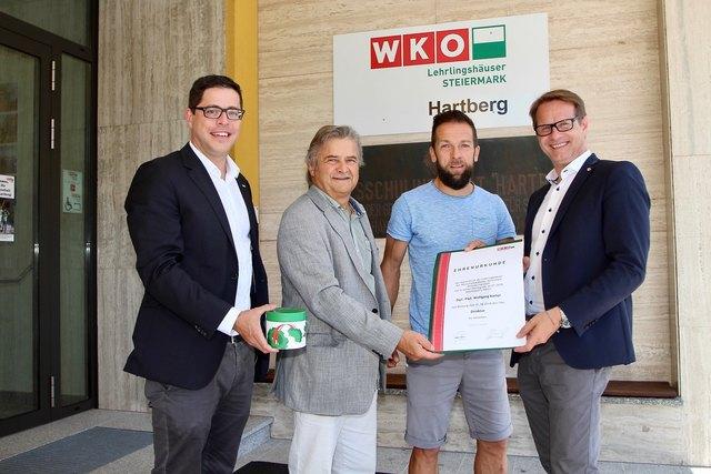 Bgm. Marcus Martschitsch, WKO Obmann Herbert Spitzer und Regionalstellenleiter Florian Ferl gratulierten Dir. Wolfgang Kampl.
