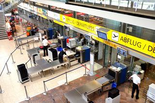 Bequem und leicht überschaubar: die Flughafen-Abfertigungshalle.