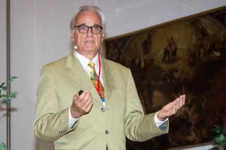 Leonhard Thun-Hohenstein, Facharzt für Kinder- und Jugendpychiatrie.