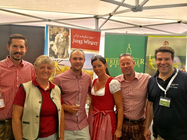 Bisamberger Jungwinzer am Campusfest der UNI Wien