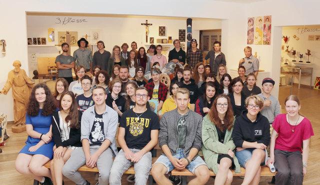 Die Schülerinnen und Schüler präsentierten ihre Werke mit Stolz.